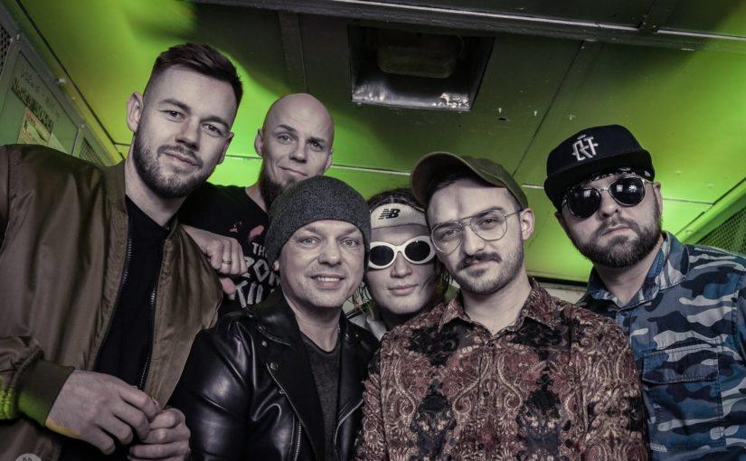 Zespół SamoHa na scenie Jarmarku