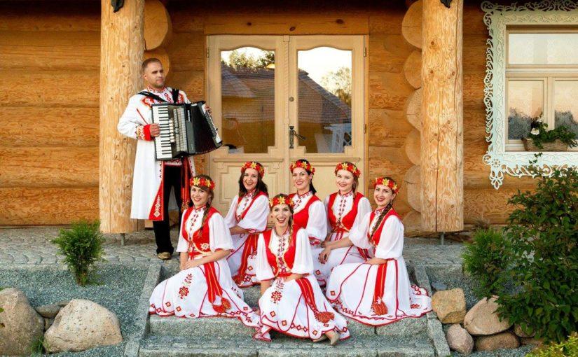 Folk na Jarmarku wykonaniu zespołu Kalinka